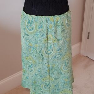 Skirt with soft designs